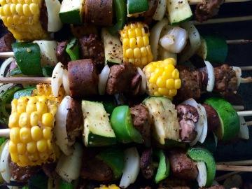 Grilled Corn Wheels, Onion, Bellpepper, Zucchini, Beefless Tips, Tofurky Links